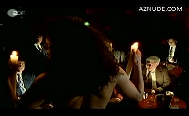 Engel nackt Nadja  Engel &