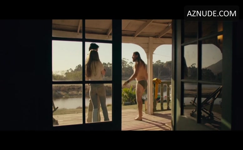 Wolfson  nackt Camilla 'The Kissing