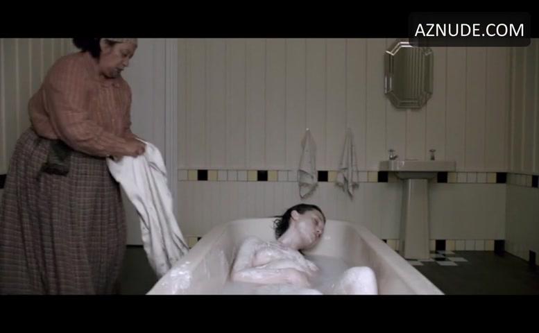 Prebble  nackt Antonia Antonia Prebble