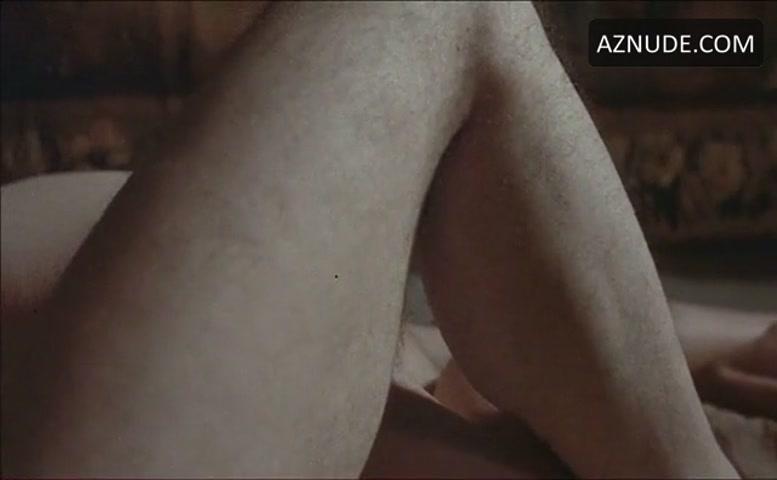 Nude shirley maclaine Shirley MacLaine's